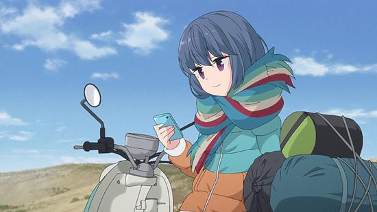 ゆるキャン△ 志摩リン 荷物を積んだスクーター