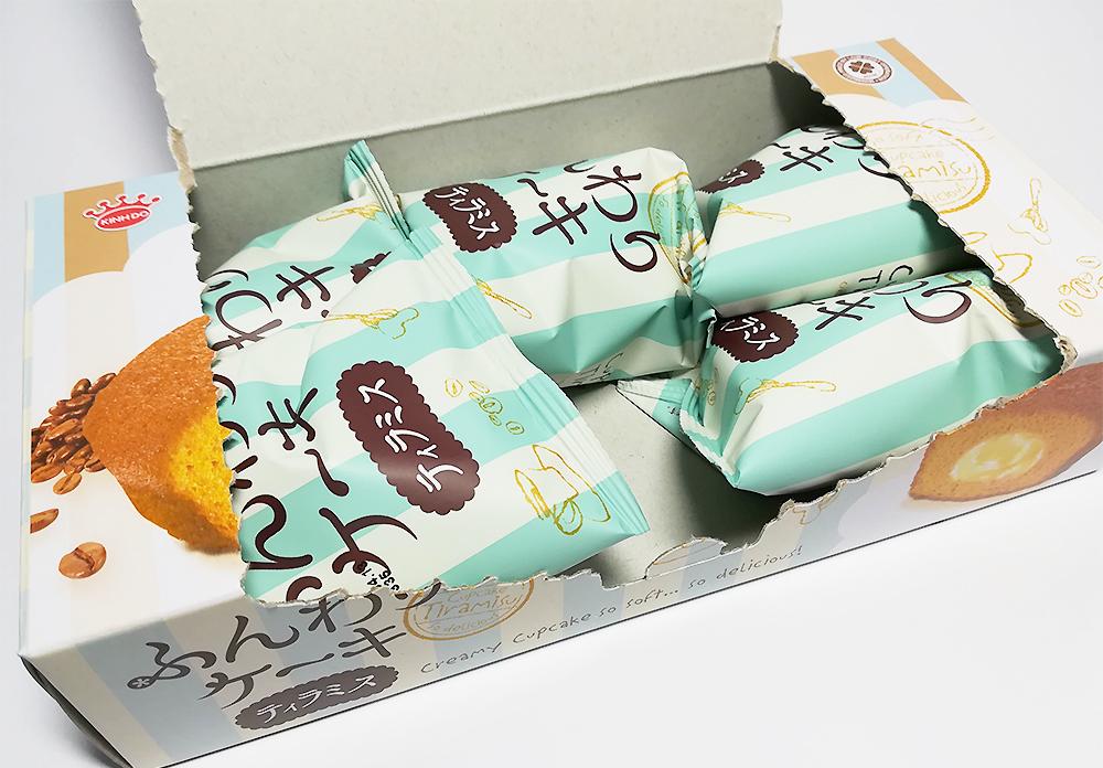 業務スーパー「ふんわりケーキ(ティラミス)」 中身
