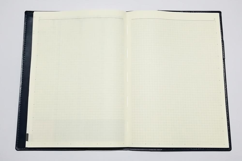 永岡書店の手帳「Biz GRID」方眼メモページ